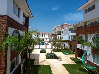 1 BR DELUXE E-1B CORAL VILLAGE,Close to the beach!!