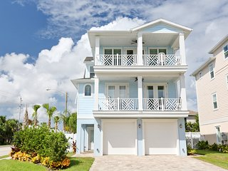 NEW IN 2018! Elevator & heated pool. Ocean views! NO STREETS TO CROSS to beach.