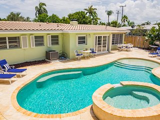 NEW Pompano Beach House walk to the beach!