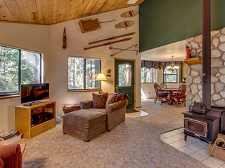 NEW LISTING! Family Cabin w/forest views near skiing, walk to Snowshoe Lake