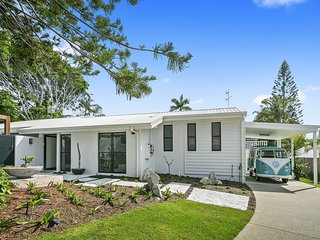 6 Currawong Street, Noosa Heads QLD