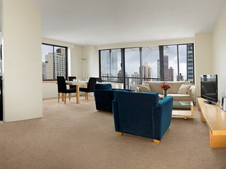 ELITE 3BR APT SUITE AT 94TH ST WITH DOORMAN & W/D