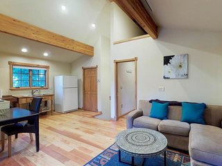 NEW LISTING! Cute and cozy guest house near the lake, skiing, and hiking!