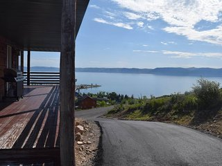 NEW LISTING! Lakeview & cabin-style home w/views, shared pool/hot tub/tennis