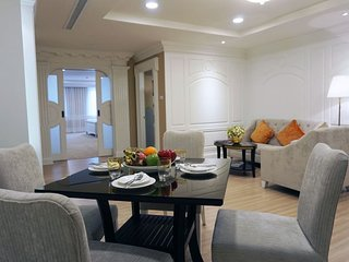 Suite in Asoke -6