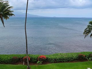 Maalaea Banyans #403 2Bd/2Ba Excellent Ocean Front Location, Whales in Season