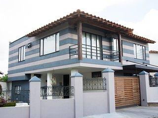 Casa Rionegro-llanogrande cerca aeropuerto Jmc