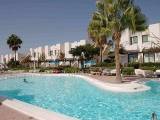 Bungalow Capri 3 apartment in Maspalomas with WiFi, shared terrace, shared garde