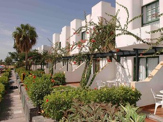 Bungalow Capri 2 apartment in Maspalomas with WiFi, shared terrace & shared gard