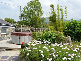 Beudy Bach + private hot tub Snowdonia North Wales ..close to Zip World.