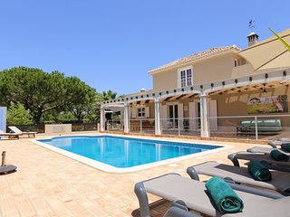 4 bedroom Villa in Benagil, Faro, Portugal : ref 5678520