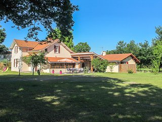 6 bedroom Villa in Mimizan, Nouvelle-Aquitaine, France : ref 5677867
