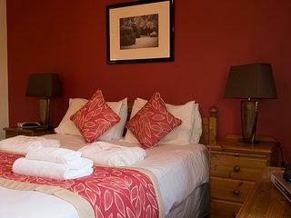72 Ballingry, 2 Bedroom House, Sleeps 6, With Leisure Facilities & Pool