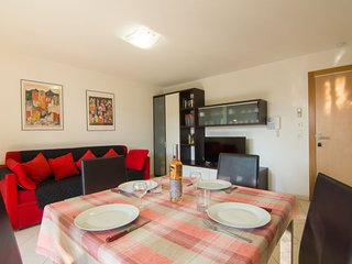 Frejus Apartment Sleeps 4 with Air Con and WiFi - 5364948