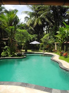4 BR Villa with Pool & Garden View