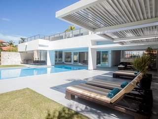 LUXURY VILLA 96 COCOTAL GOLF, 5BR, MAID, POOL&BBQ