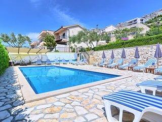 9 bedroom Villa in Sumpetar, Splitsko-Dalmatinska Županija, Croatia : ref 567852