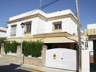 Apartment in Chipiona, Costa de la Luz, Andalusia, Spain. Wifi, garage, air cond