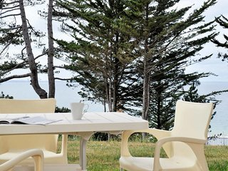 Pleneuf-Val-Andre Apartment Sleeps 6 with Pool and Free WiFi - 5642356