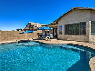 Retreat w/ Spacious Patio & Superstition Mtn Views