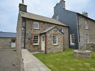 65544 House situated in St Davids (1ml SW)