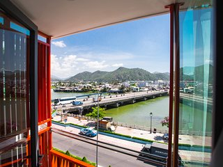 Moonlight Bay hotel-Cheaper Room with River View (401)
