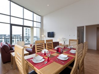 Luxury Penthouse Ocean View 3 Bed 3 Bathroom Apartment with Super King beds