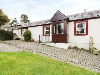 GARDEN COTTAGE, all ground floor, near Perth