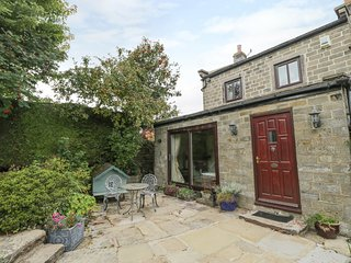 SPRINGS COTTAGE, woodburner, Dales, Darley