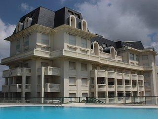 BIARRITZ  PALAIS DE LA ROSERAIE 2 chambres Vue Mer et Golf exceptionnelle