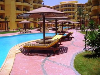Fully furnished and equipped apartment in British Resort complex