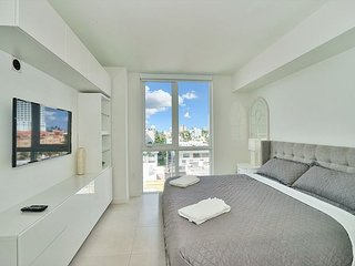The Tiffany House on Fort Lauderdale Beach 1 bedroom