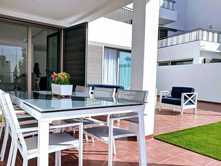 Luxury private garden apartment in Magnolia Golf