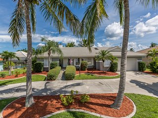 Beautiful Canal Front home in Punta Gorda Isles!  Available now!