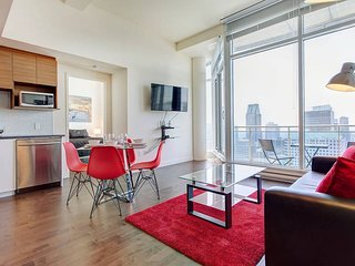 3505 V . SUPERIOR CONDOMINIUM WITH GREAT CITY VIEWS