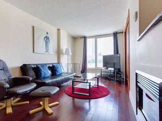 1413 SFX · BEST SUITE CONDO  4
