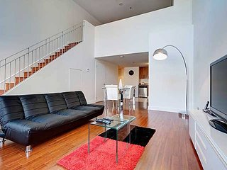 202 MOS · SPACIOUS TWO FLOOR APARTMENT