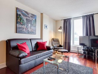 1513 SFX · AMAZING CONDO IN OLD MONTREAL