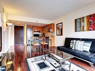 1004 Bleury Mike · FURNISHED SUITE IN OLD MONTREAL