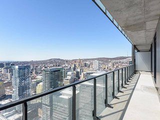 4603 TDC . Most Luxurious 3 BR. Penthouse w/ Private Terrace