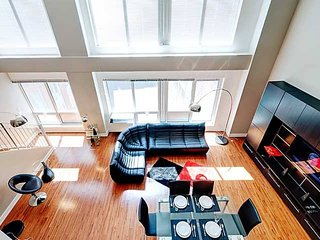 301 MOS . LUXURIOUS MEZZANINE ON 2 FLOORS
