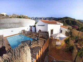 Emblematic cottage in Hoya de Tunte. Cottage 1