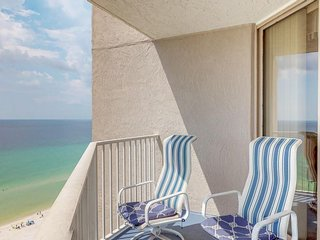 NEW LISTING! Waterfront condo w/ balcony, shared pool/hot tub & fitness center