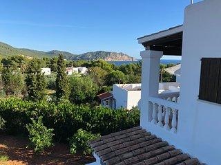 Villa encantadora con impresionantes vistas al mar cerca de la playa