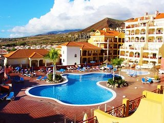 Lovely 2 bed apartment in Dinastia, Los Cristianos, Tenerife
