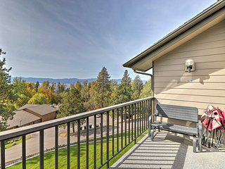 Admire views of Flathead Lake and Blacktail Mountain from the balcony!