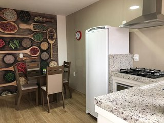 LINDO APARTAMENTO FAMILIAR- 01 DORMITORIO - CENTRAL - PROXIMO AO MAR - AP03 !!!