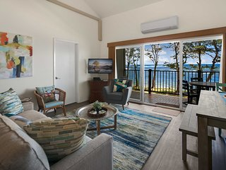 Oceanfront Resort Condo w/ A/C in Old Town Kapa'a!