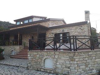 Lefkara Chalet