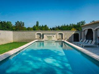 Farm house Provence Avignon heated pool